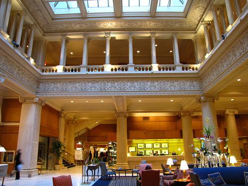 Toronto Hotels: Le Meridian King Edward Hotel