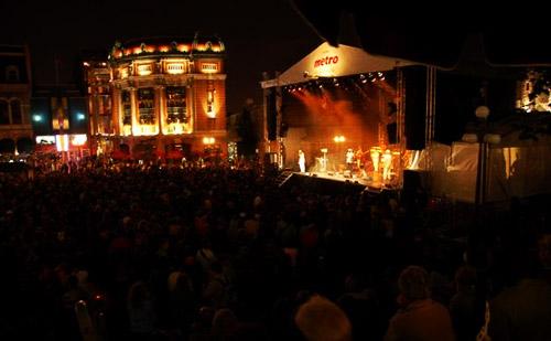 Festivals Around The World - Paris Summer Arts Festival Music Stage