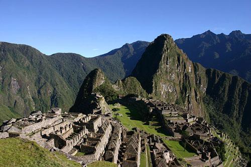Popular Landmarks: Machu Picchu Peru