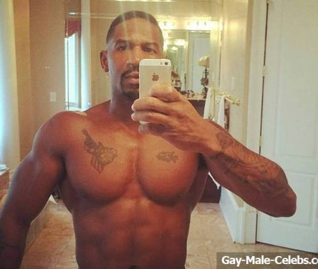 And Singer Stevie J Is Most Known For His Work As An Rnb Rap And Hip Hop Producer But Know Hes Making A Name For Himself With These Leaked Photos