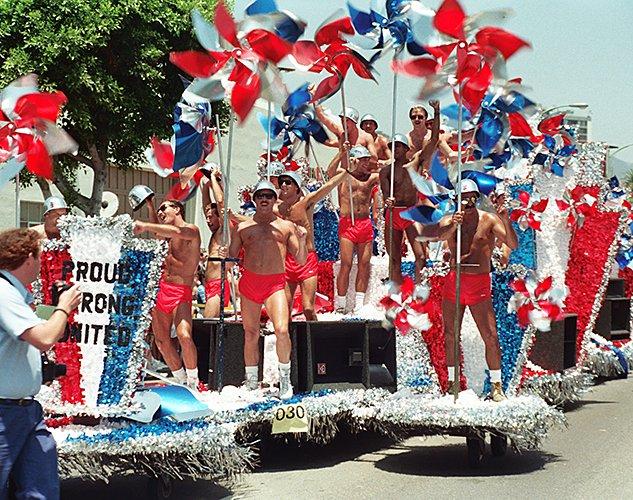 Oldschool: fotos das Paradas de Chicago, São Francisco e Los Angeles dos anos 80s