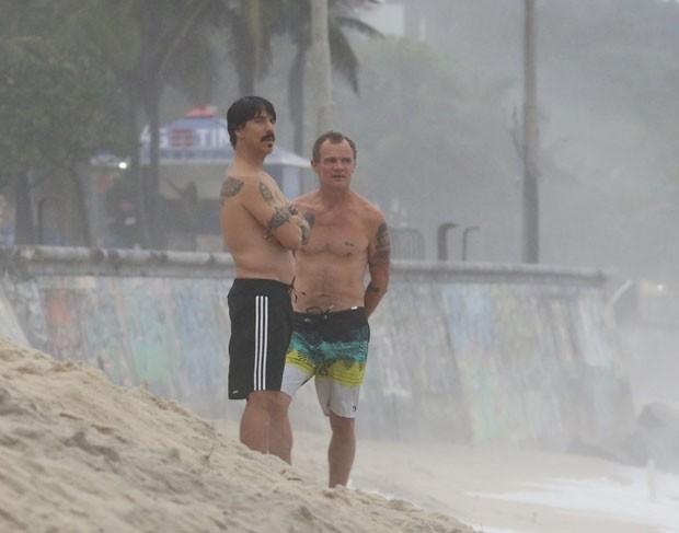 Antony Kiedis e Flea (foto: AgNews)