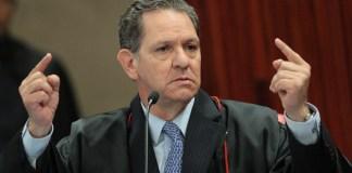 'Quero meus privilégios porque o heterossexual agora está virando minoria no Brasil. Não tem mais direito nenhum', disse o ministro João Otávio de Noronha em seminário realizado no STJ.