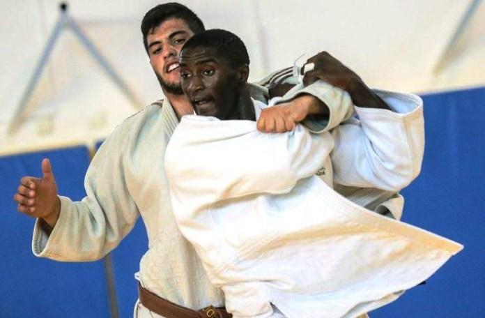 O judoca português Célio Dias (à frente). Foto: reprodução
