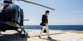 """Neste 1º de maio (terça-feira), aqueles que desejam agendar um voo panorâmico podem usar o código """"DIADOTRABALHO"""" e conseguir 15% de desconto no valor do voo. helicóptero"""