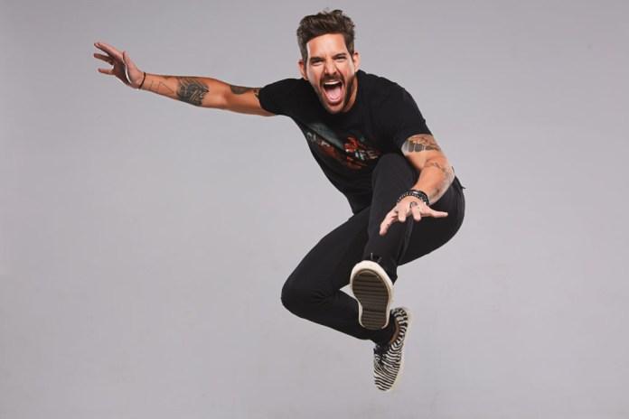 Felipe Pezzoni, vocalista da EVA (Foto: Divulgação)