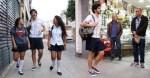 Repórter do jornal Extra sai às ruas com uniforme 'feminino'. Foto: GuilhermePinto