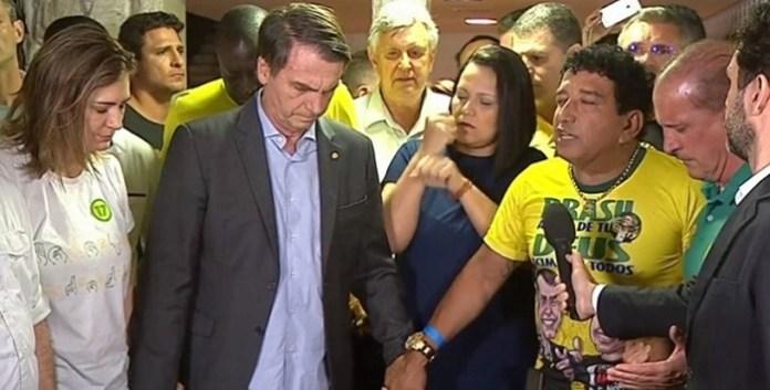 Oremos! Foto: O novo governo começou com uma reza em rede nacional (reprodução)
