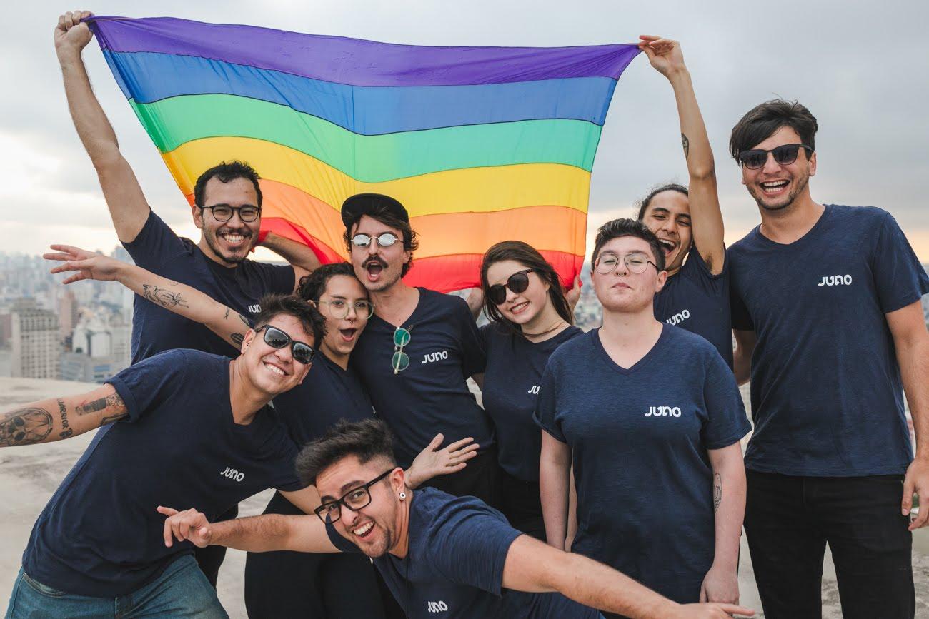 Empresa de Curitiba comemora quadro de 23% de funcionários LGBTs: 'selecionamos pessoas pelos seus sonhos e talentos'