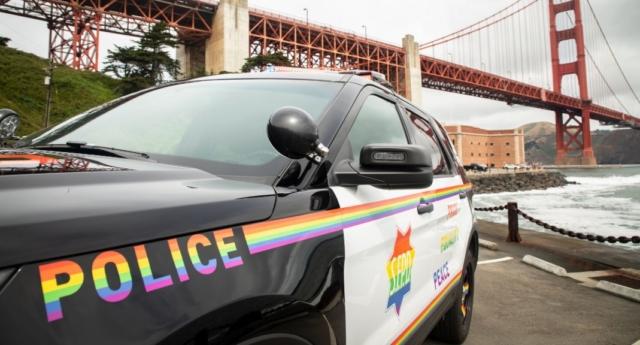 Viatura 'pride'. Foto: reprodução