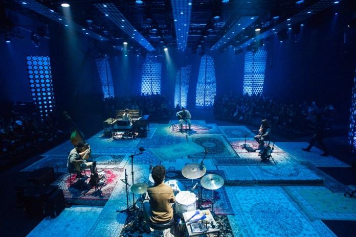 Foto de divulgação do Acústico MTV com Tiago Iorc