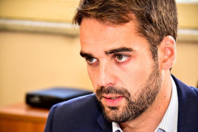 """Eduardo Leite implementa """"banheiro sem preconceito"""" nos prédios governamentais do Rio Grande do Sul"""