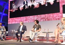 Da esquerda para direita: Wilson Silva (Kontik), Jim McMichael (Las Vegas), Raul Evangelista (IBM Brasil) e Maitê Schneider (Transempregos) Foto: Emerson Souza