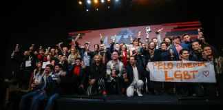 Manifestações contra a censura continuaram durante a cerimônia de premiação   Foto: Edison Vara/Agência Pressphoto