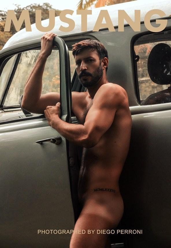 Wanrley Cardoso posando para Mustang Magazine. Foto: Diego Perroni