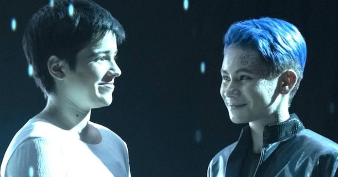Blu del Barrio como Adira e Ian Alexander como Gray da série STAR TREK: DISCOVERY da CBS All Access. Foto Cr: Michael Gibson / CBS