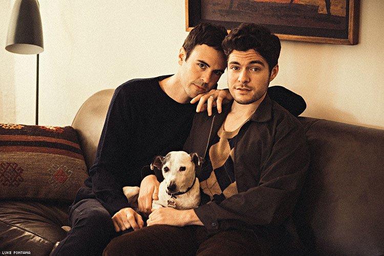 Reveladas primeiras imagens de filme natalino com casal gay – dentro e fora das telas
