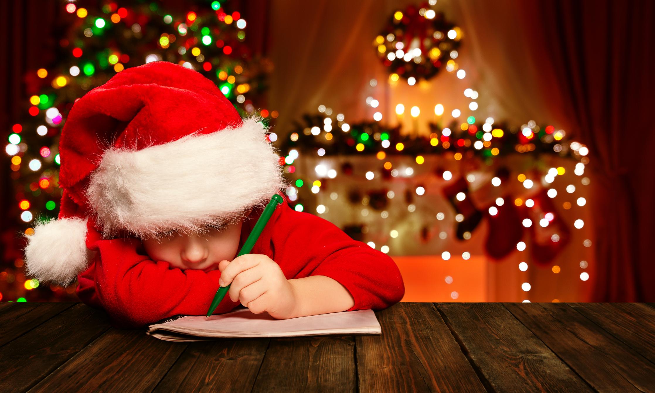 """""""Deus me ama sendo gay?"""", pergunta garoto em carta emocionante para Papai Noel"""