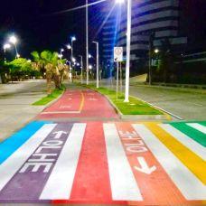 Fortaleza colore faixas de pedestres com cores da bandeira LGBTQI+ - Reprodução
