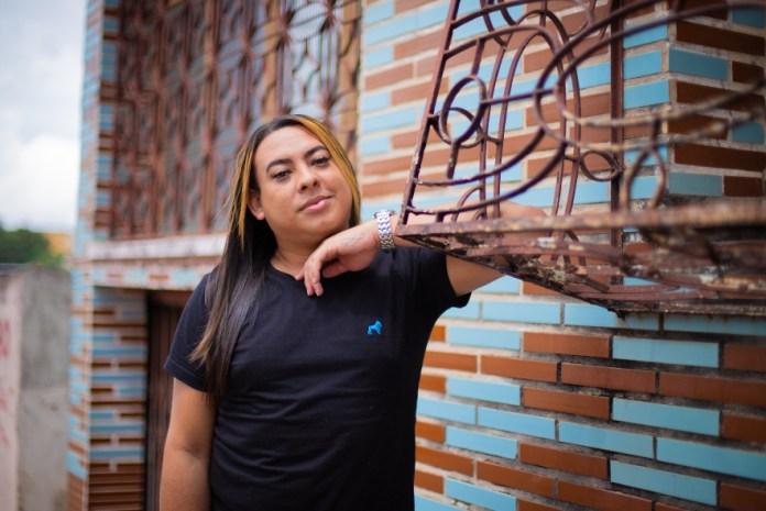 """ACNUR/Felipe Irnaldo """"Onde eu morava, um gay não poderia andar de forma segura, sem o sentimento de medo"""" afirma Wiins Marin, venezuelana ativista que recomeçou a vida em Manaus"""