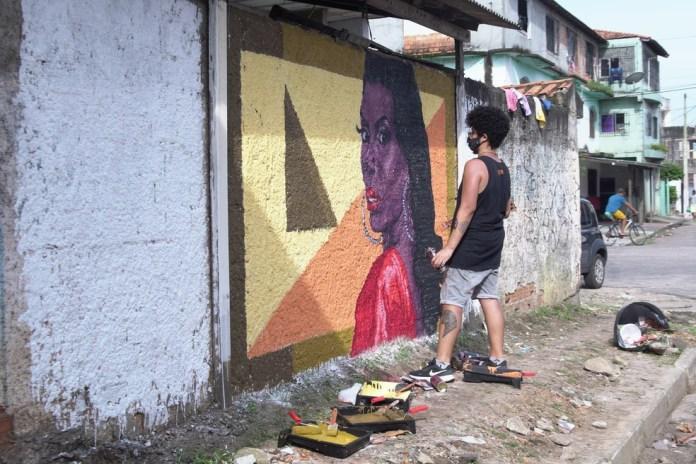 Leona Vingativa é homenageada com arte grafite no Jurunas, em Belém. — Foto: Divulgação / Suane Melo
