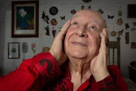 Sérgio Mamberti fala sobre marido, com quem viveu por 37 anos, em biografia