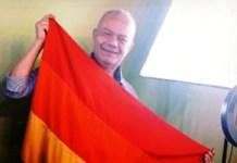 Deo Ramos fala sobre a importância do mês de visibilidade LGBTQ+
