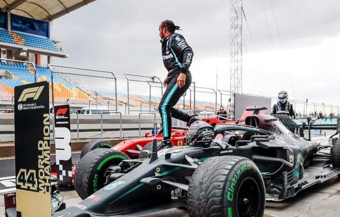 """Piloto Lewis Hamilton condena lei antiLGBT na Hungria: """"É covarde!"""""""