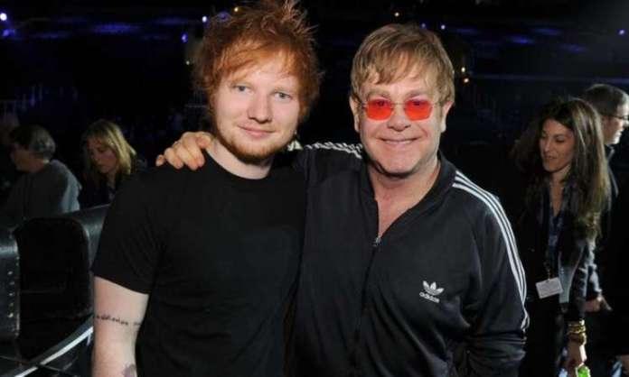 O mimo, recebido por Elton John em seu 74º aniversário, inicialmente ficaria exposto no jardim de sua casa Ed Sheeran deu um pênis de mármore ao Elton John como presente de aniversário - Reprodução