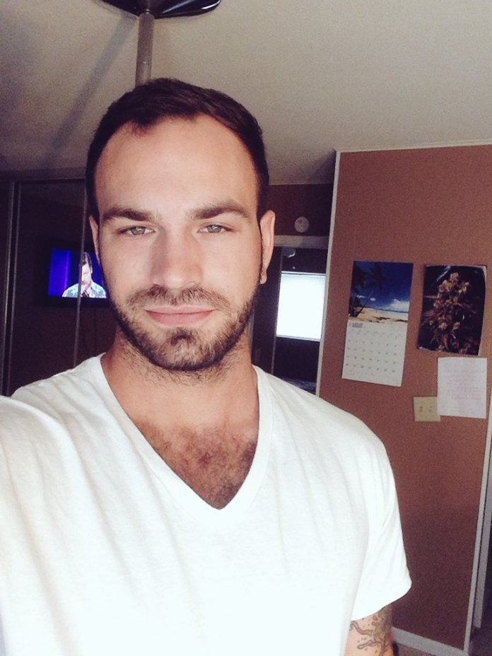 """Lucas Leoni: """"Eu era o famoso gay-for-pay"""""""