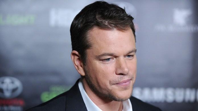 Matt Damon parou de usar expressão homofóbica após bronca da filha