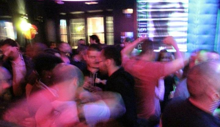 etilico bar gay lisbon lisboa