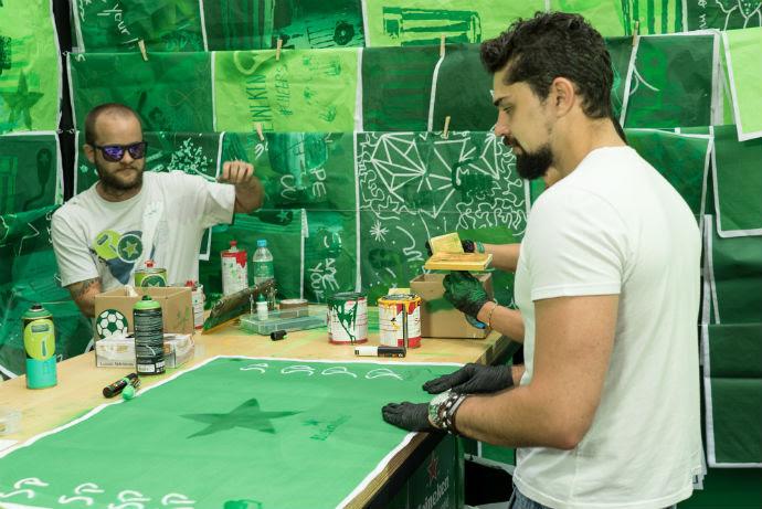 SHN em ação: artistas criam lambes ao lado do público do Heineken Block que serão combinados no maior mural de arte de São Paulo