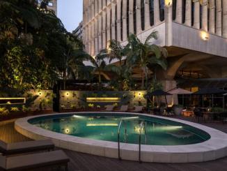 Hospedagem com espumante no quarto e jantar com show de Rachel Maia são as opções do hotel para comemorar a data tivoli