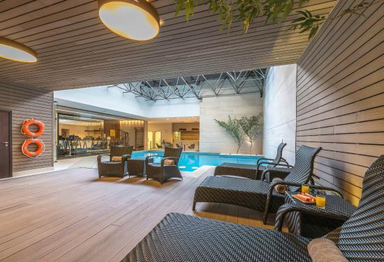 Bourbon Curitiba Convention paga metade da corrida do transporte do aeroporto até o hotel