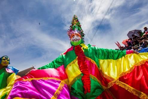 """Carnaval de Cajamarca, """"Capital do Carnaval Peruano"""". Foto: Divulgação/PROMPERÚ"""