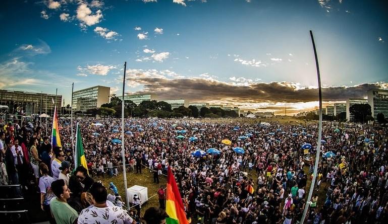 O Brasília Orgulho, festival LGBT da capital federal, divulga o tema e a data da marcha em 2019.