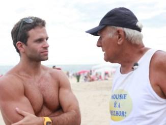 Documentário que retrata o alto astral dos ambulantes da praia de Ipanema estreia em streaming