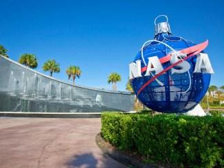 NASA Kennedy Space Center Visitor Complex convida para férias inesquecíveis próximo a Orlando, Flórida