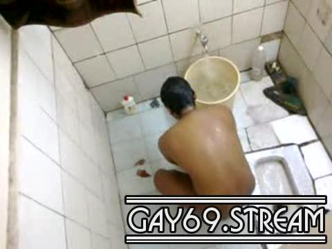 Indian – Caught In Bathroom_180511