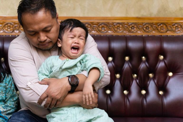Anda mesti berasa kasihan melihat anak anda menahan sakit sembelit
