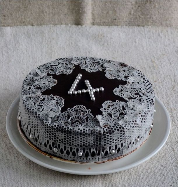 Gulkand Cake with Gelatin Free Edible Sugar Lace