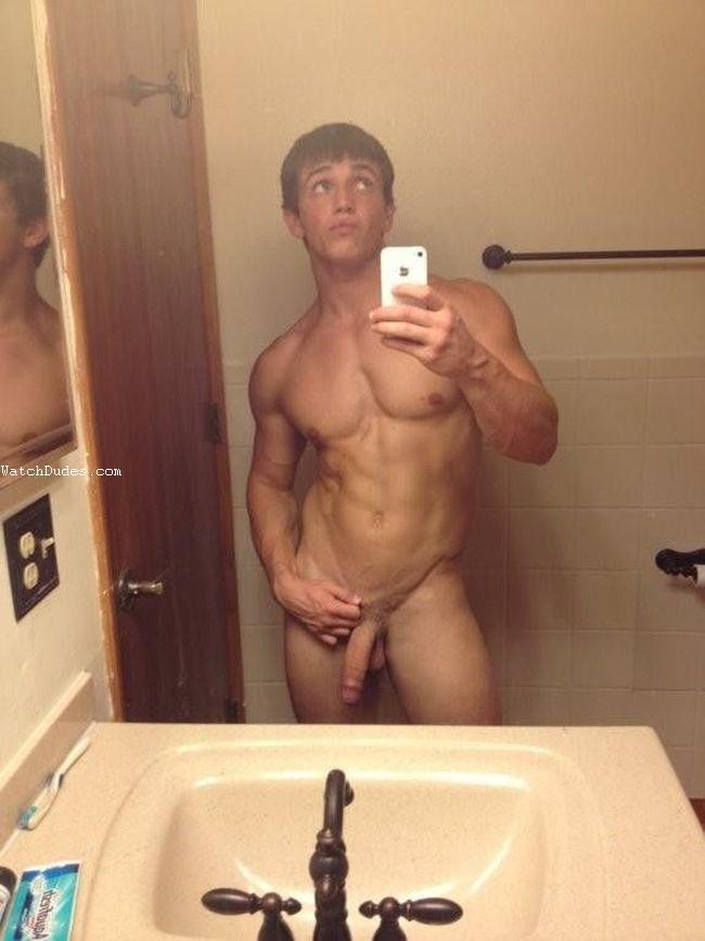 NAKED GAY MEN PICS SELFIES