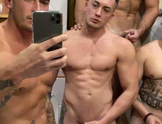 Nackt selfie boy twinks boys