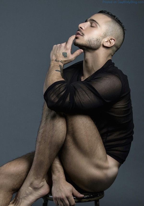 Nude modelling male