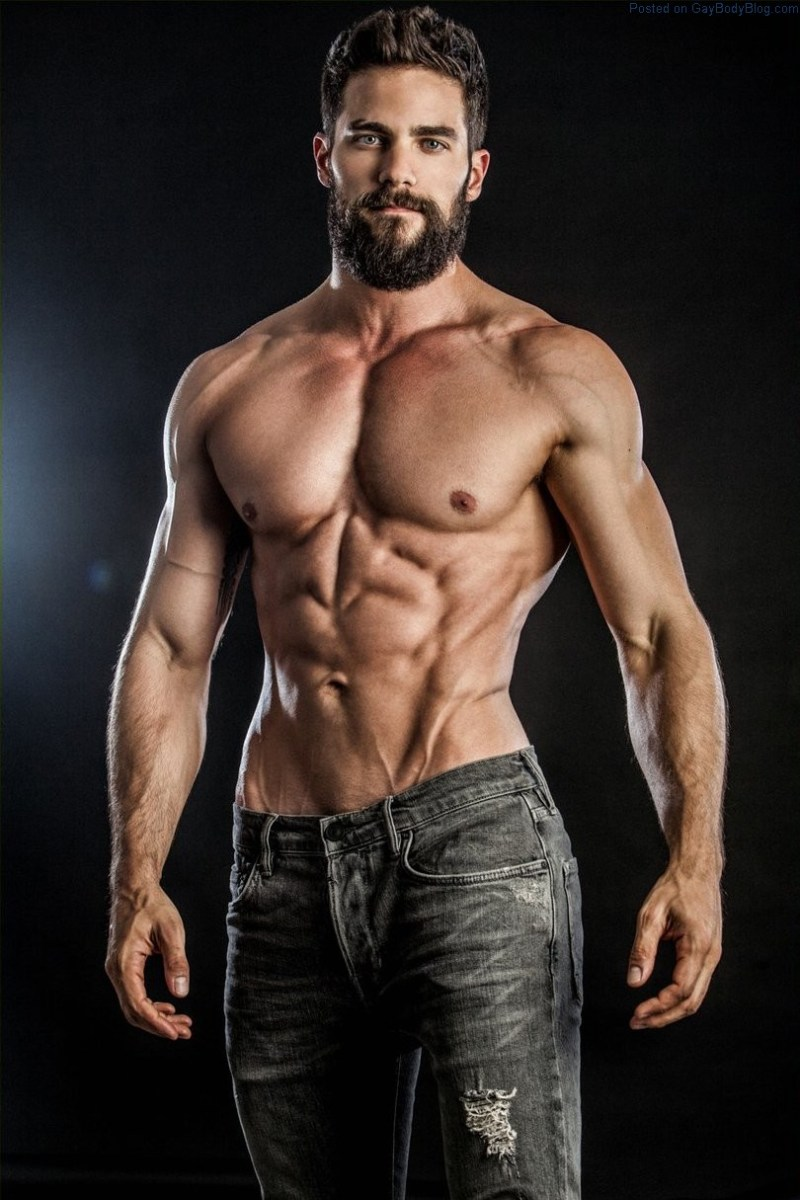 Lusting After Handsome Muscle Hunk Brant Daugherty