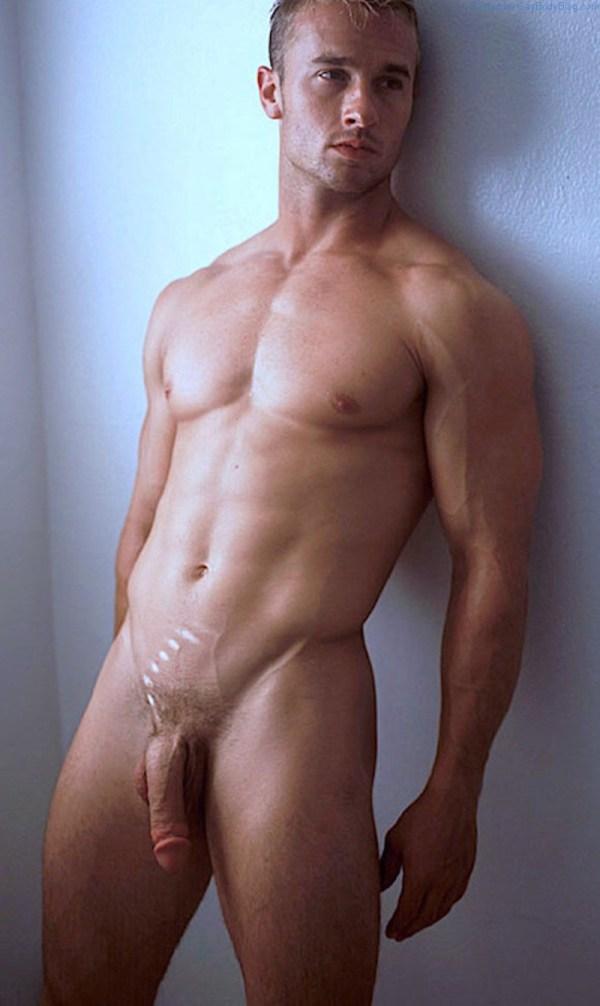 davenport-derrick-naked