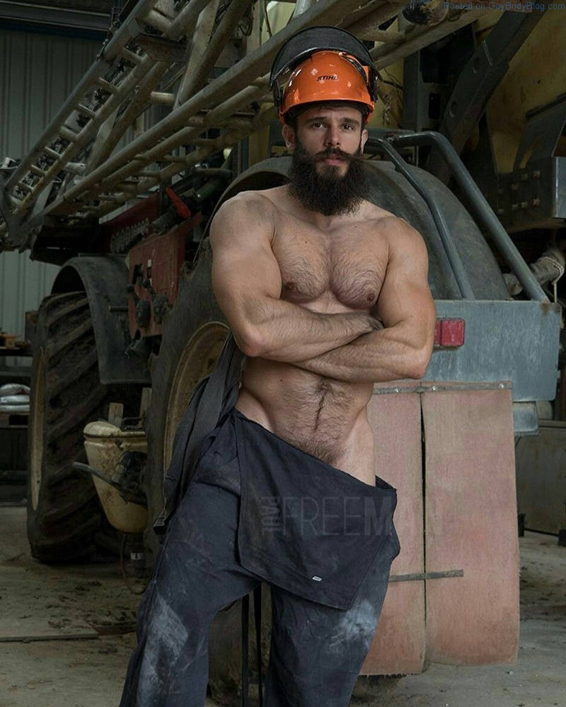 I Want To Get Dirty With Rugged Hairy Muscle Hunk Killian Belliard