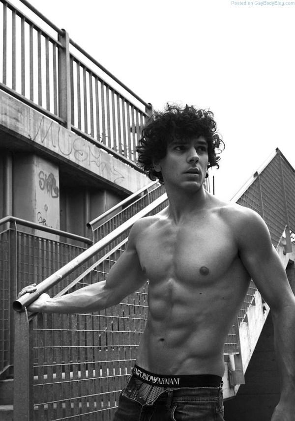 shirtless Italian Model Matteo Cupelli