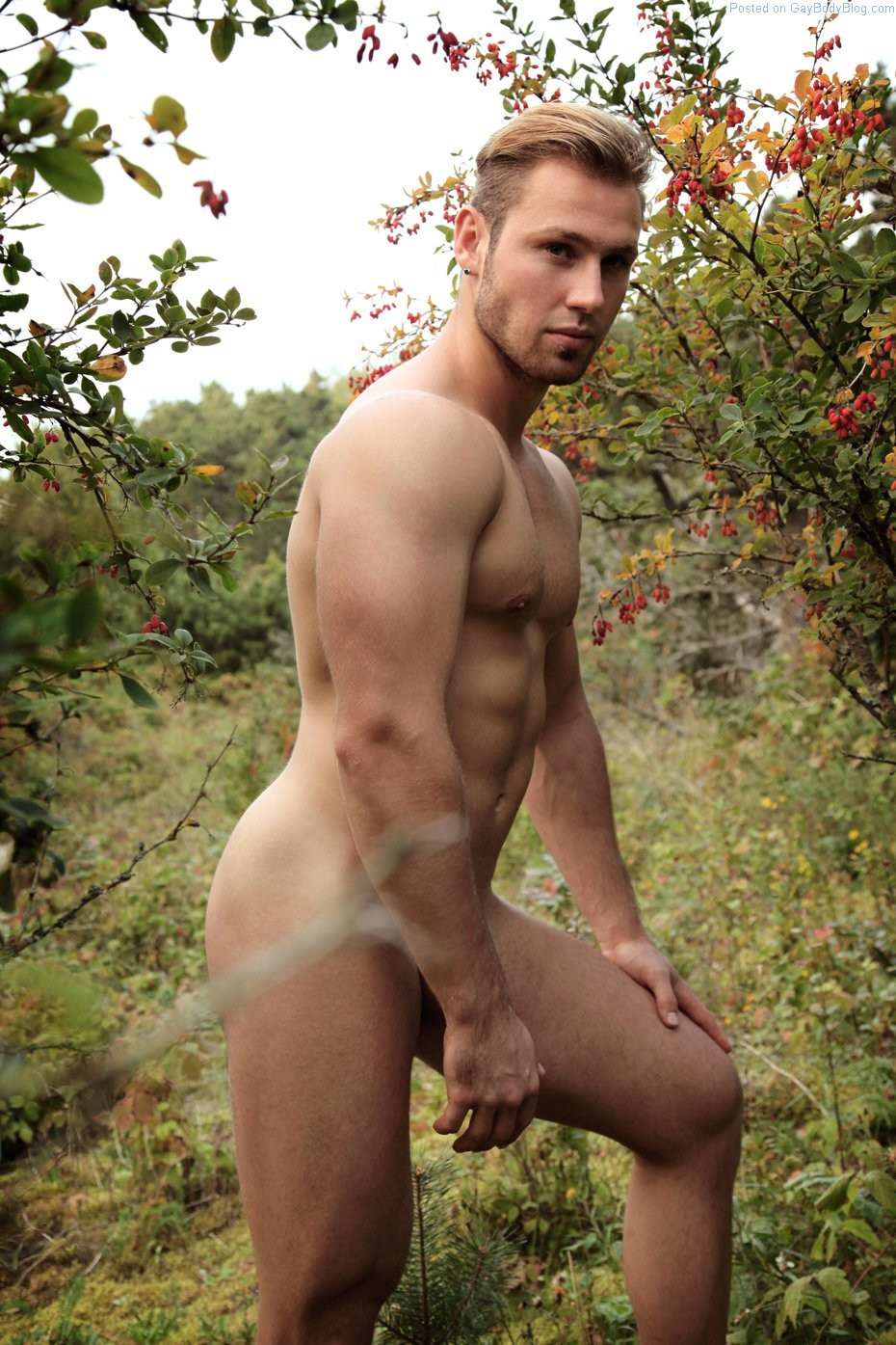 Guys in the woods nude